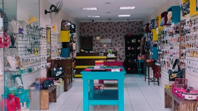 f8c6b7ca3 Vendo loja de Bijuterias e acessórios femininos em ótimo ponto comercial